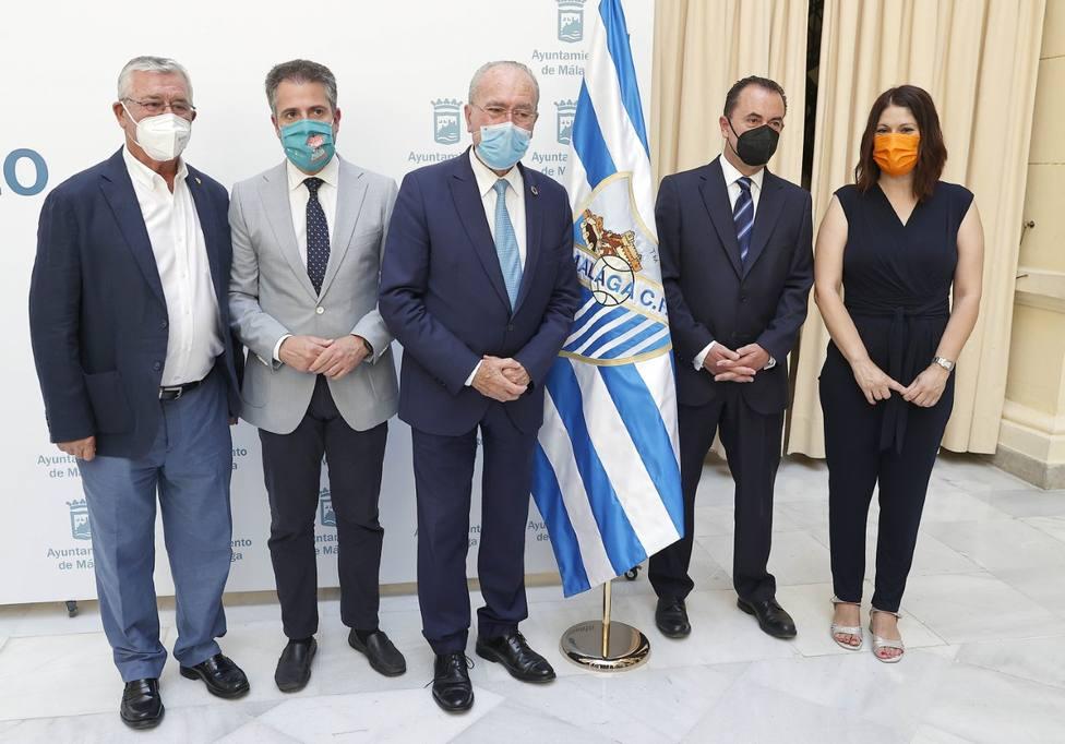 Imagen del acuerdo suscrito y oficial en el Patio de Banderas.