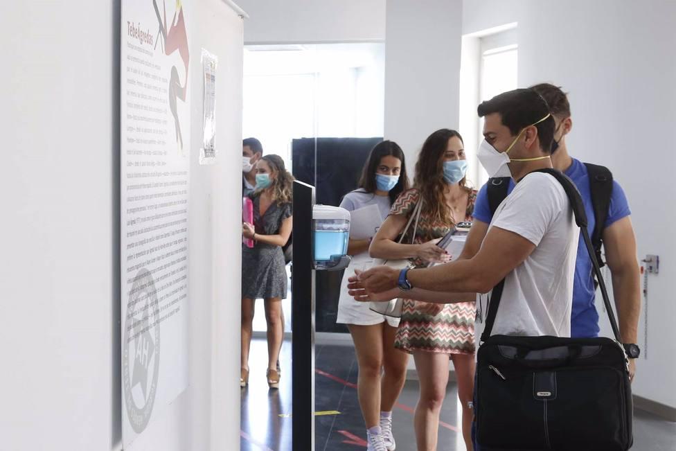 Cvirus.- Moreno anuncia que la próxima semana se abrirá la vacunación a los jóvenes de 19 a 16 años