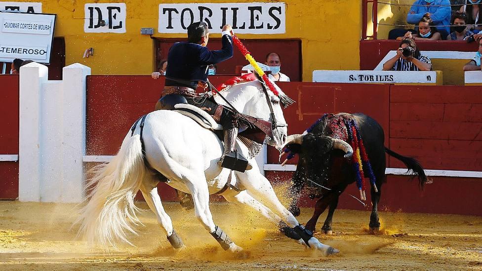 Diego Ventura montando a Lío durante su actuación este lunes en Cuéllar
