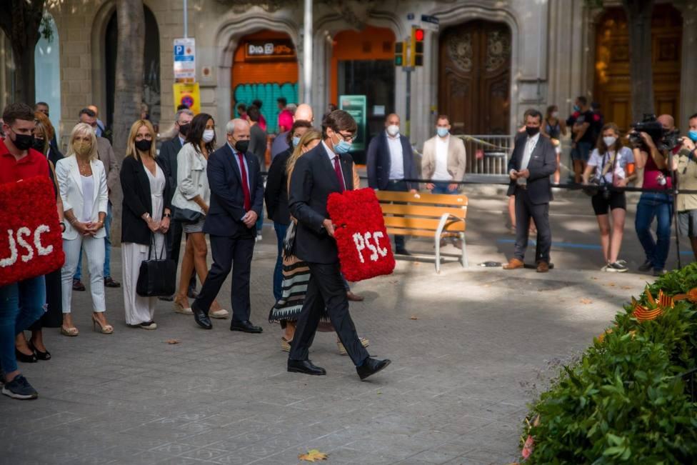 Ofrenda del PSC ante el momento de Rafael Casanova en Barcelona por la Diada, encabezada por Salvador Illa