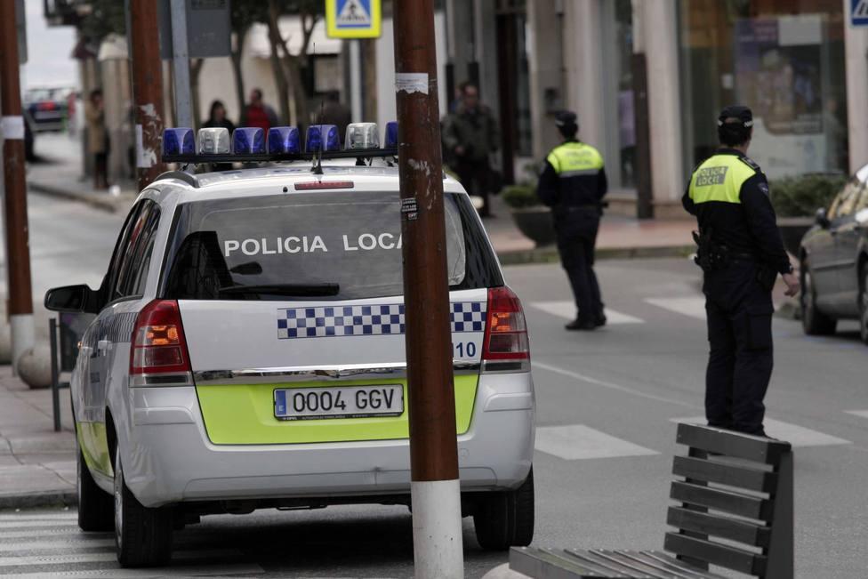 ctv-lxf-coche-de-polica-local