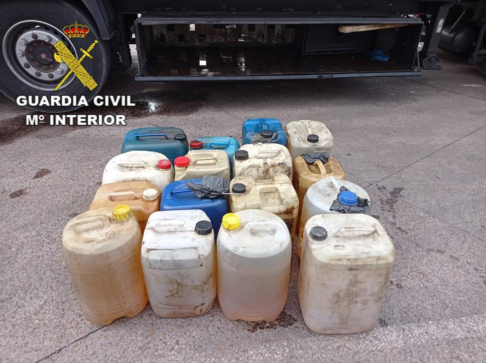 Detenidas dos personas por el robo de 1.900 litros de gasoil en tres camiones en Argamasilla de Calatrava