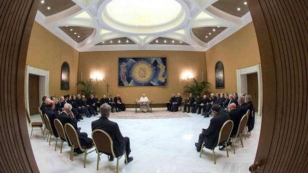 Todos los obispos chilenos ponen su cargo a disposición del Papa
