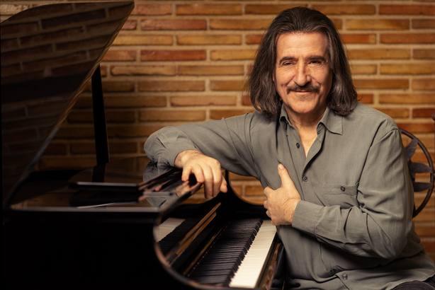 Luis Cobos recorre el mosaico musical de México en su nuevo disco ¡Va por México!