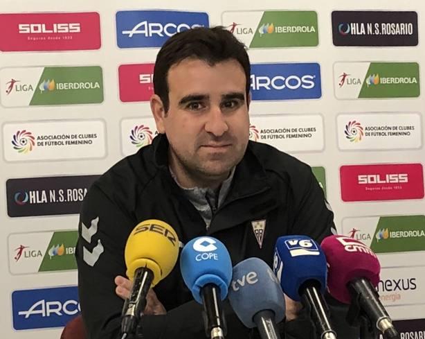 Carlos del Valle, entrenador del Albacete Femenino