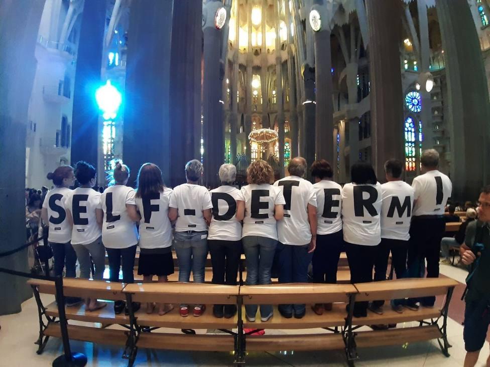 La ANC protesta en la Sagrada Familia de Barcelona contra la persecución de derechos por parte del Estado