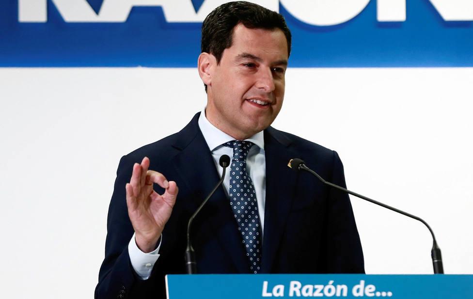 """Juanma Moreno rechaza una repetición de elecciones e insta a Sánchez a """"arriesgar"""" para la investidura"""