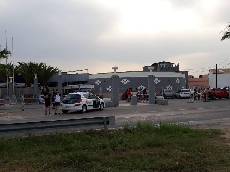 El Festival Marenostrum de Valencia se cancela y las fuerzas de seguridad instan a los asistentes a marcharse