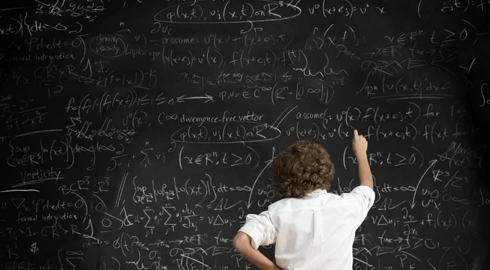 """Prueba a resolver el """"sencillo"""" problema matemático que divide a las redes sociales y se ha hecho viral"""