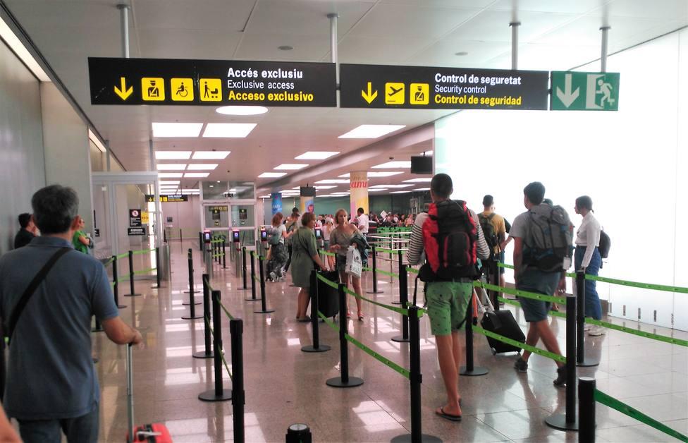 Empieza con normalidad el tercer día de huelga de seguridad en el Aeropuerto de Barcelona