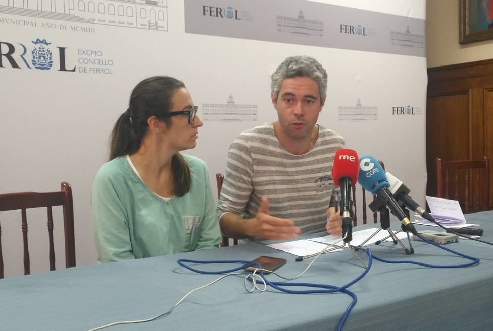 María do Mar López e Iván Rivas en rueda de prensa en el Ayuntamiento de Ferrol