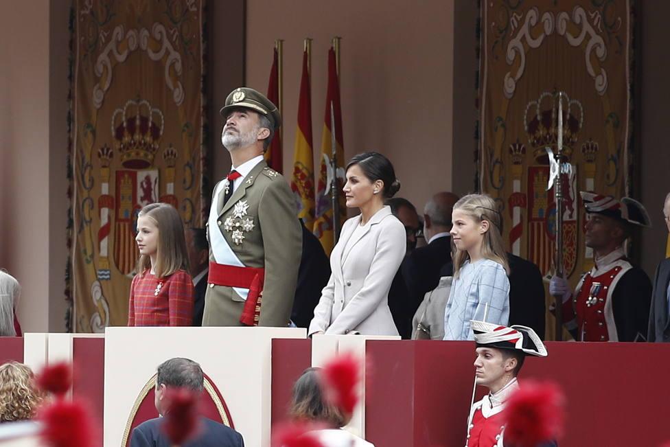 Los Reyes presiden este sábado el desfile del 12 de octubre, a menos de un mes de la repetición electoral