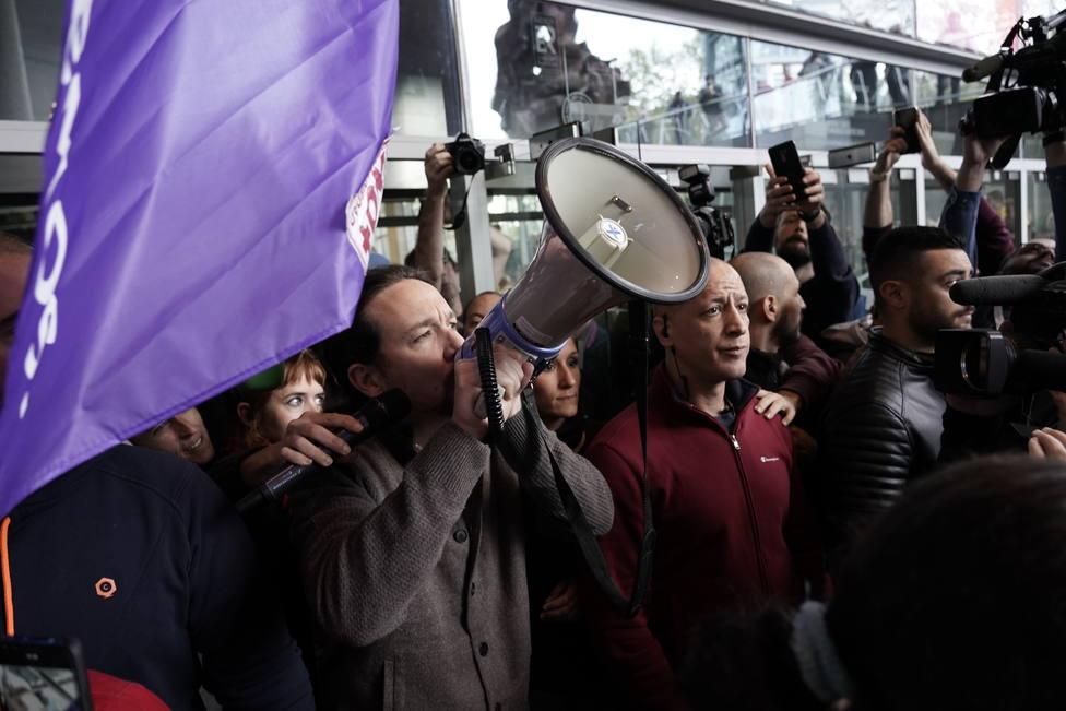 Iglesias aguanta en los sondeos denunciando que Sánchez pactará una coalición blanda con la derecha