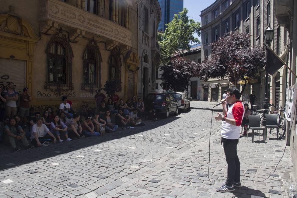 Estudiantes chilenos ahogados por los créditos universitarios protestan contra el Gobierno de Piñera