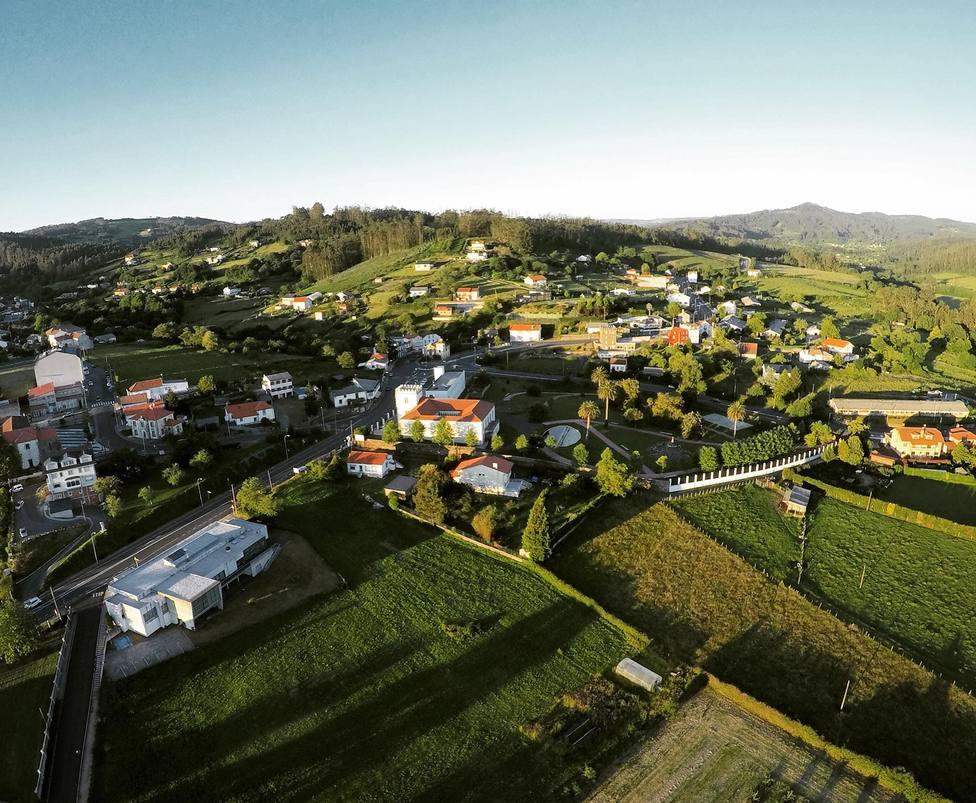 Vista aérea del núcleo de San Sadurniño - FOTO: César Galdo