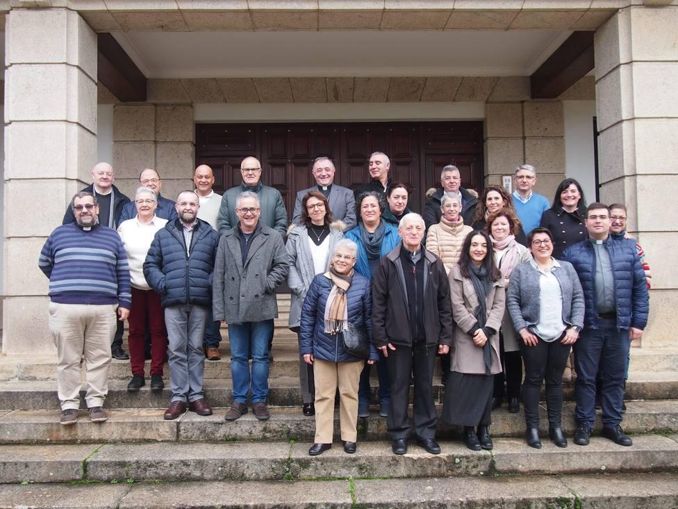 El obispo con los integrantes del nuevo Consejo Diocesano de Pastoral - FOTO: Diócesis de Mondoñedo-Ferrol