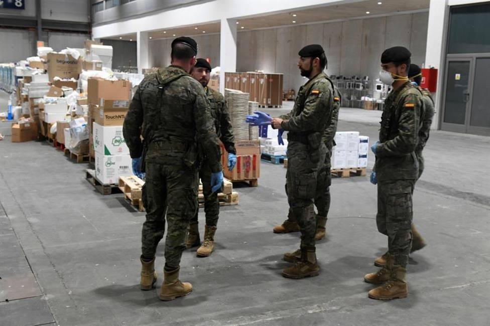 Militares distribuyendo ayuda durante la pandemia a hospitales y residencias de ancianos