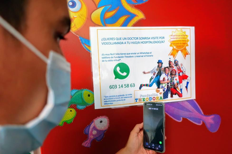 ctv-cfy-foto-llamadas-virtuales-doctores-sonrisa-hospital-la-candelaria-y-materno-infantil