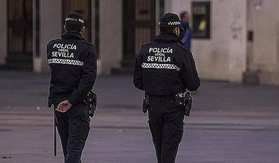 Detenida una mujer en Sevilla tras apuñalar a su expareja varón en plena calle