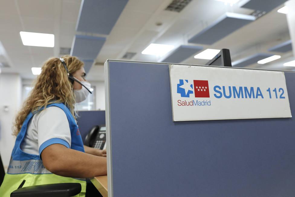El consejero de Sanidad, Enrique Ruiz Escudero, visita la sede del SUMMA 112 en Madrid