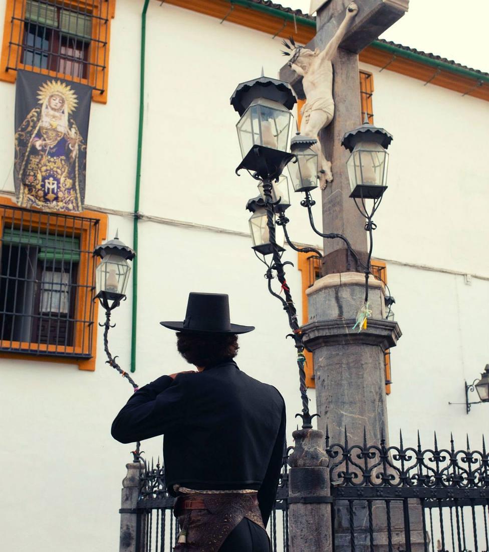 Morante de la Puebla ante el Cristo de los Faroles de Córdoba