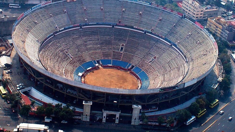 Vista aérea de la Monumental de México, el coso más importante de la América taurina