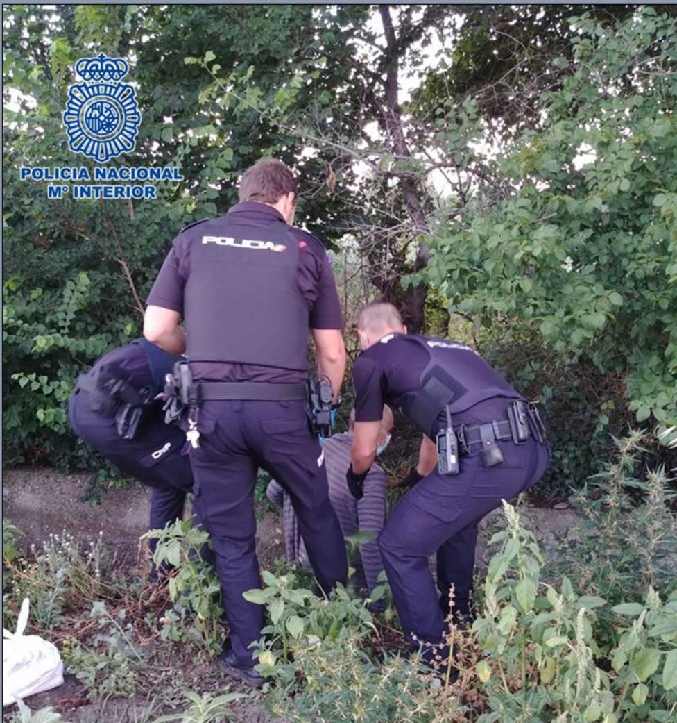 La Policía Nacional rescata a un hombre de 78 años que llevaba 6 horas caído en el monte