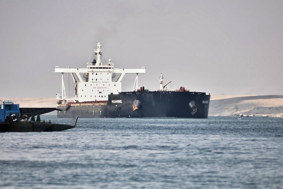 El Canal de Suez retoma el ritmo de navegación tras pasar todos los buques anclados