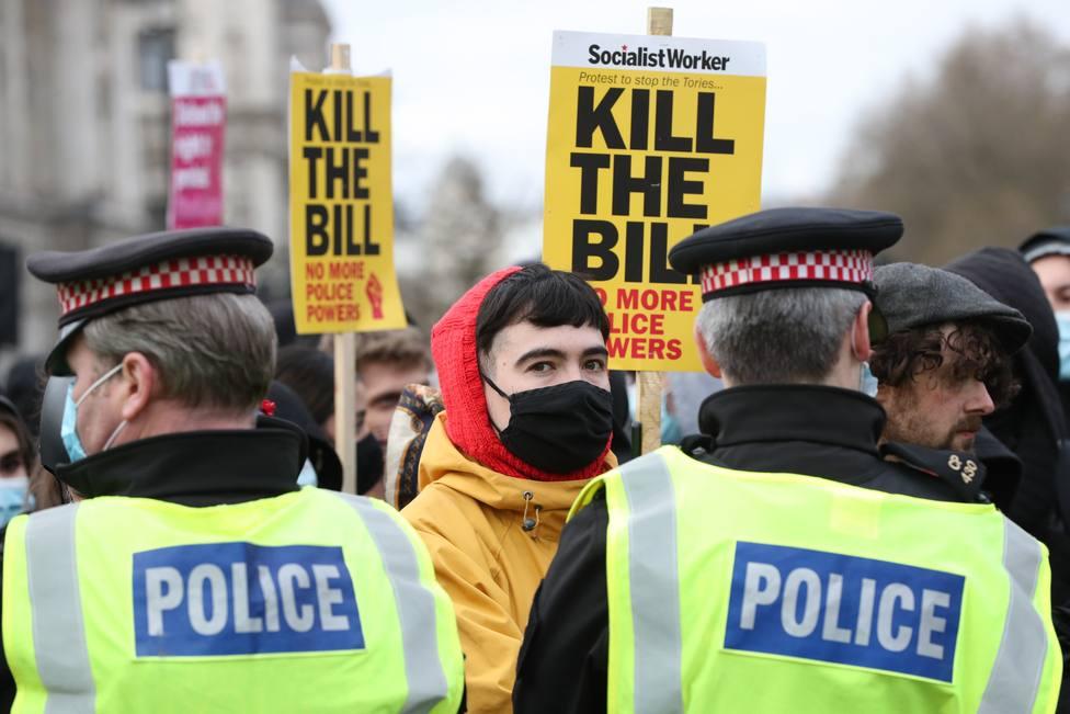 Las protestas contra la propuesta de una nueva ley de seguridad dejan al menos un policía herido en Londres