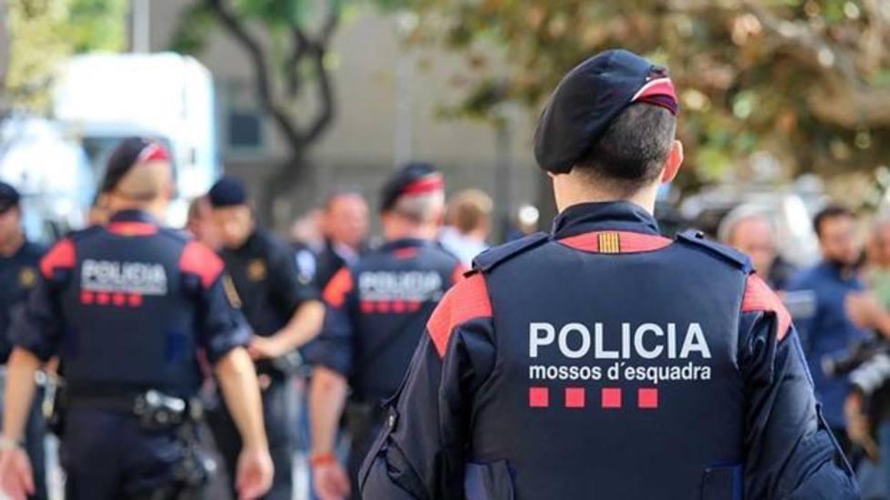 Desmantelada una fiesta con 400 personas en un aparcamiento en Palafrugell (Girona)