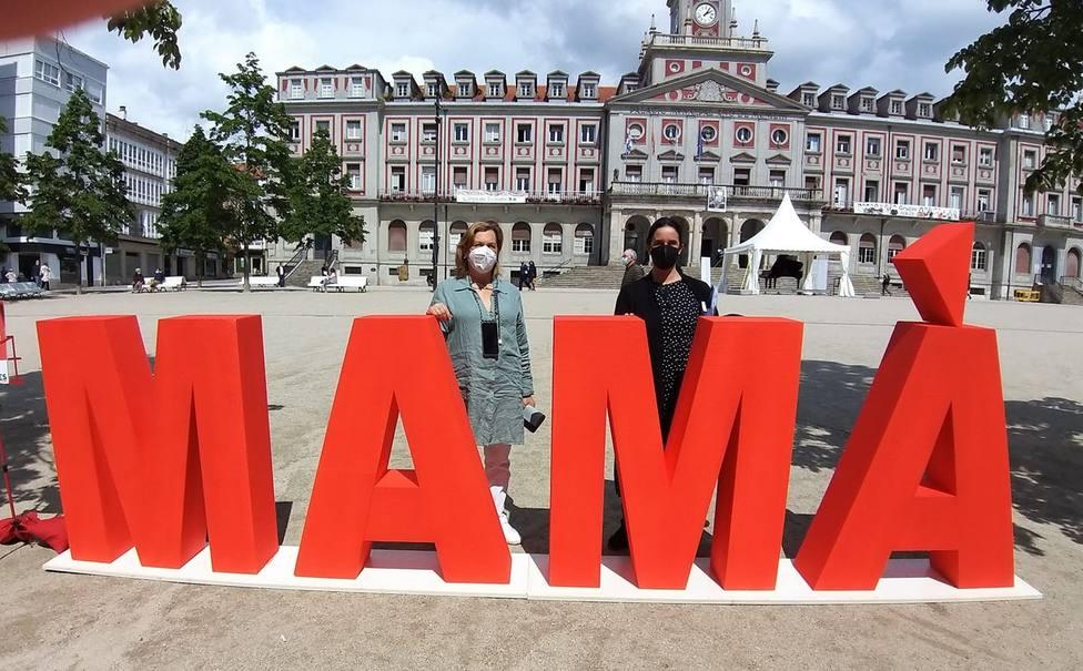 Acción puesta en marcha por el programa CITES en la plaza de Armas. FOTO: Concello de Ferrol