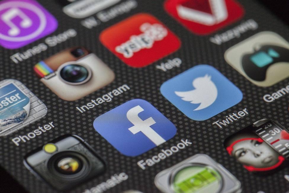 ¿Facebook e Instagram de pago? La nueva exigencia de Apple que podría cambiarlo todo