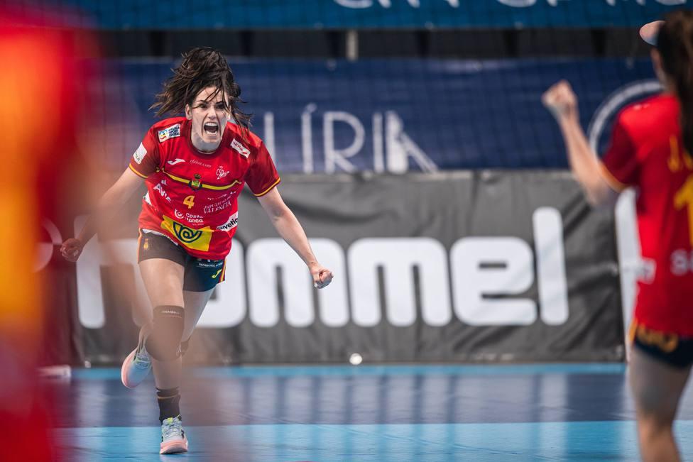 Carmen Martín celebra la clasificación para los Juegos de Tokio.