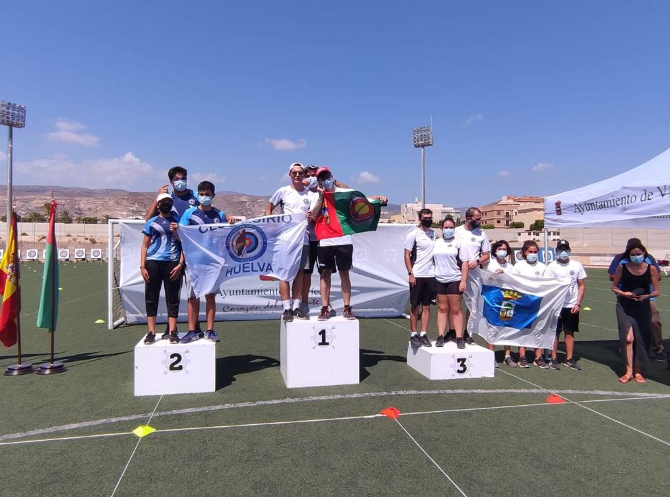 ctv-t2g-podio-equipos-recurvo