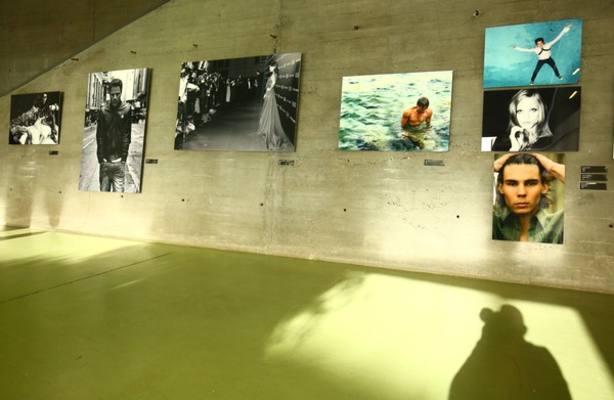 Una muestra fotográfica de Bernardo Doral inaugura el proyecto expositivo conjunto de la Uned y el Marca
