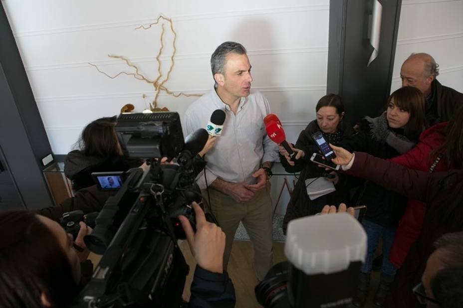 Ortega (Vox) defiende que los pequeños actos de campaña les han llevado a crecer en apoyos, voluntades y afiliados