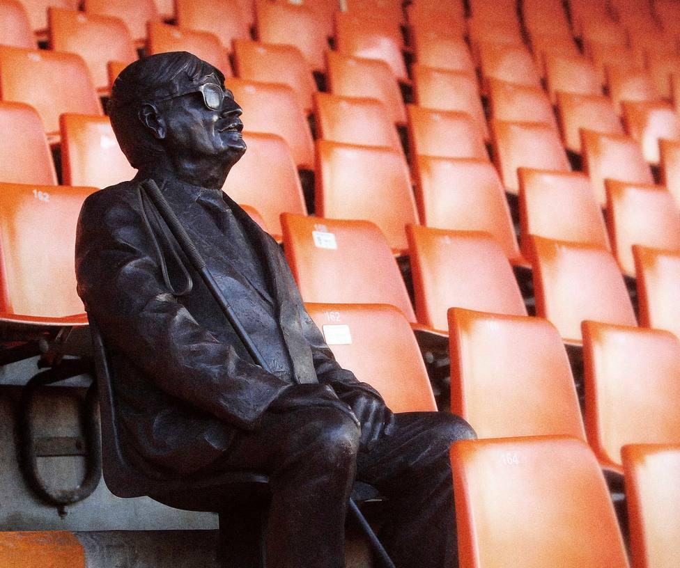 Mestalla tendrá una estatua de Sentiment Etern en el centenario del Valencia