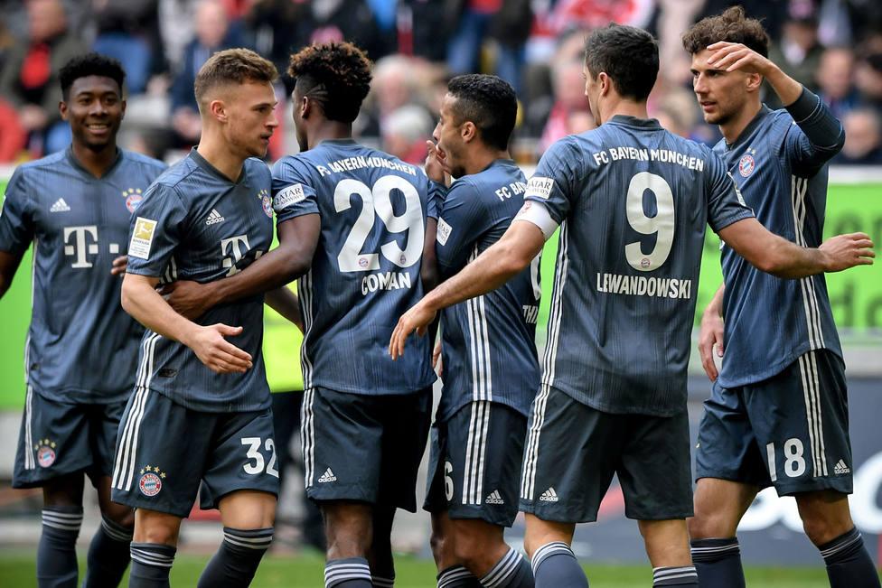 El Bayern de Munich celebra uno de sus goles al Düsseldorf (EFE)