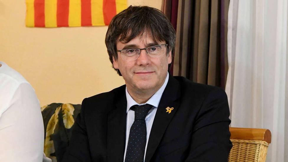 Puigdemont prepara una campaña de firmas para pedir a Bruselas que tome medidas contra España