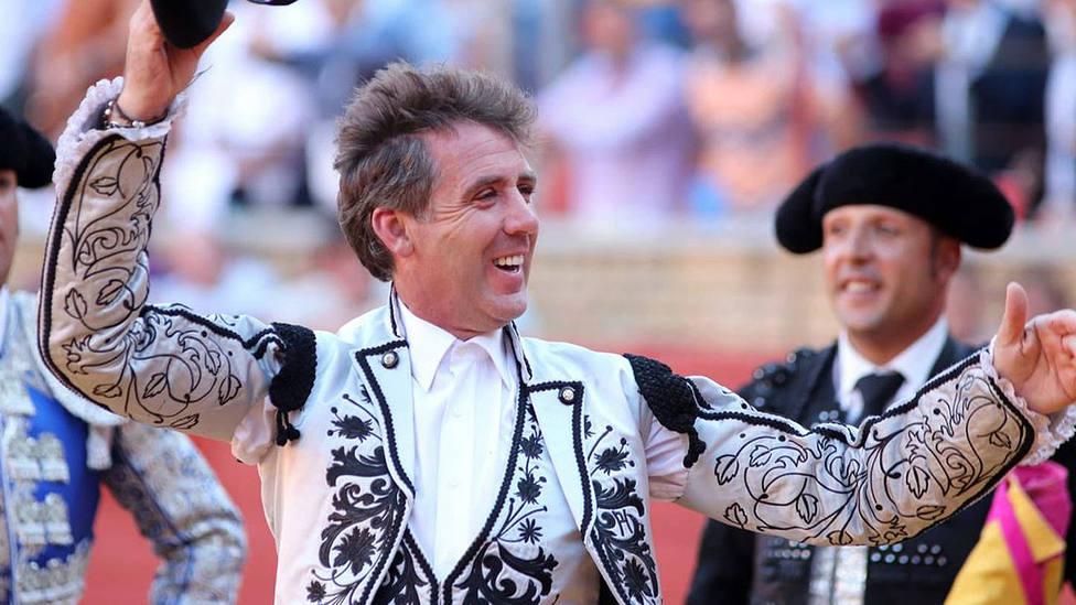 Pablo Hermoso de Mendoza con la oreja conquistada este sábado en Córdoba