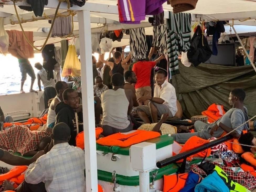 Open Arms declara que la situación a bordo del barco es insostenible