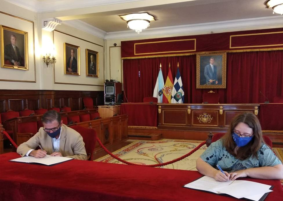 Firma del convenio del Concello con la Asociación ASCM - FOTO: Concello Ferrol