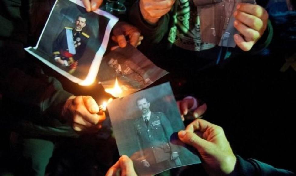 La ANC convoca en las plazas de todos los municipios de Cataluña quema de fotos del Rey para este jueves
