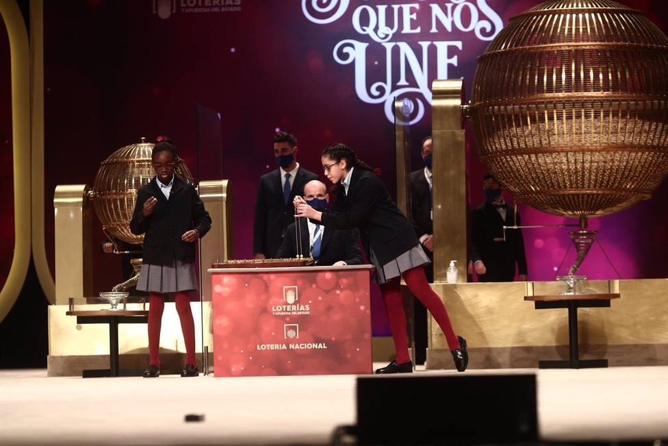El 86.986, quinto premio, deja dos décimos agraciados en Córdoba y Nueva Carteya