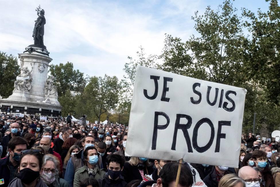 Detienen en Francia a siete personas más por su presunta implicación en la decapitación del profesor