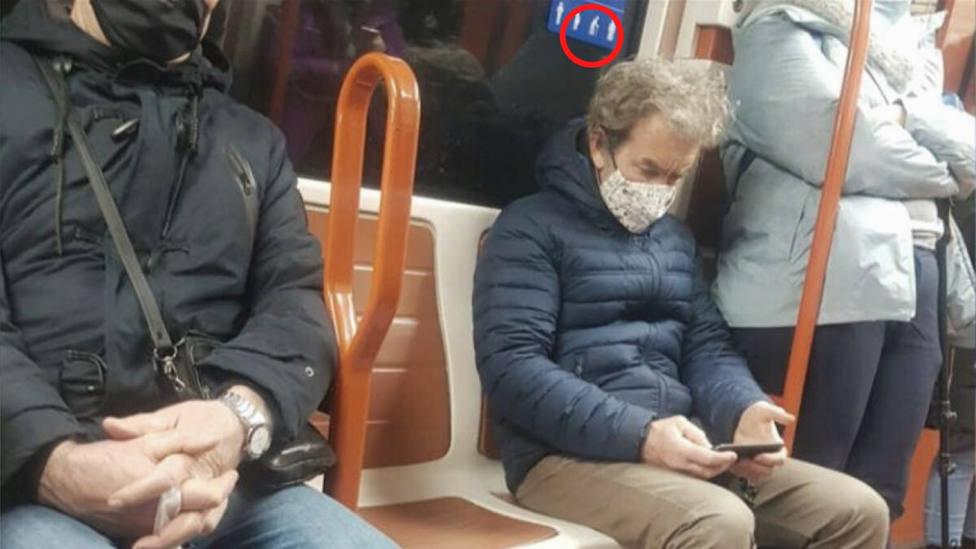 Críticas a Fernando Simón por el detalle más insólito de su último viaje en metro