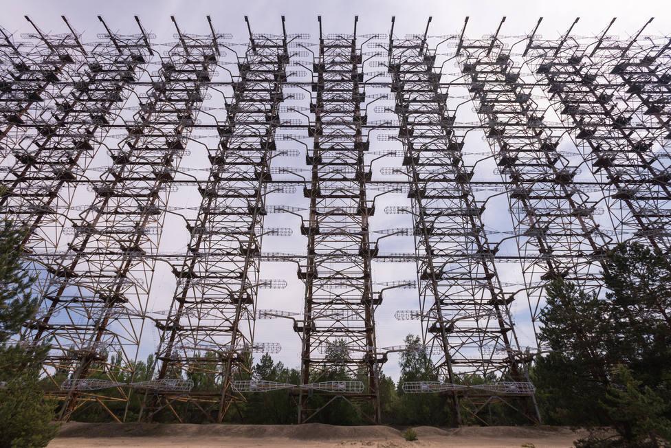 Complejo de antena Duga, antiguo sistema de radar militar, restos de la Guerra Fría