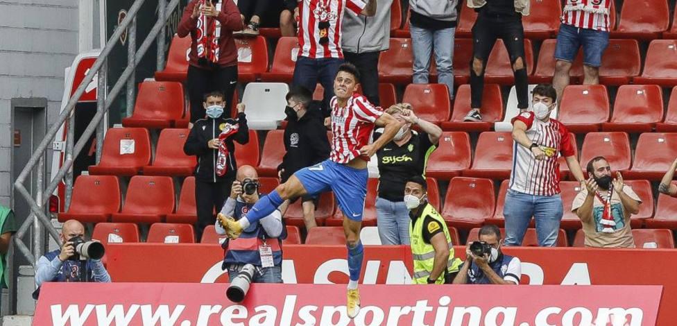 Gaspar Campos celebra su gol ante el Málaga
