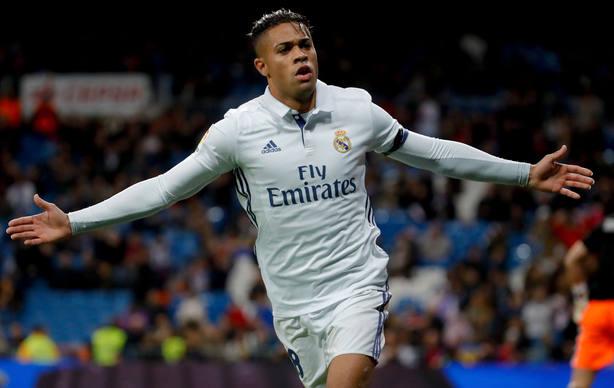 Mariano celebra un gol con el Real Madrid