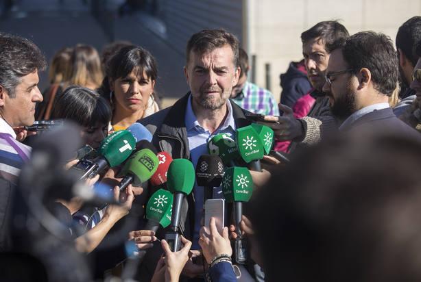 Maíllo cree que PP-A blanqueará una triple alianza con Cs y Vox y que a Susana Díaz la van a hacer caer en PSOE
